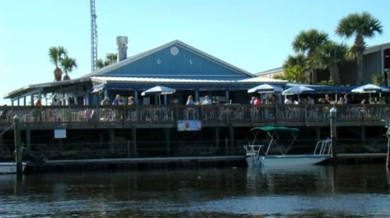 Harborcove Bar & Grill