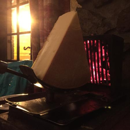 Les Sagnes: Perfect Raclette!!! I advise to all the customers to try it!