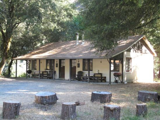 Bend Lodge Cabins 5 6