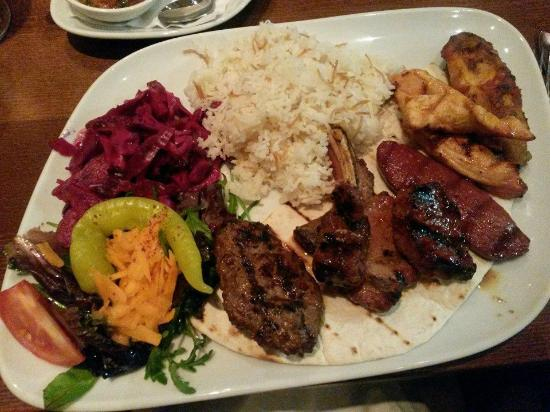 Leamington Spa, UK: Mixed grill, including fairly hot chicken