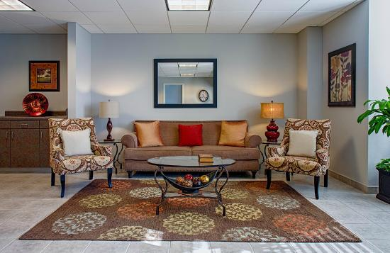 Federal City Inn & Suites: Welcoming lobby