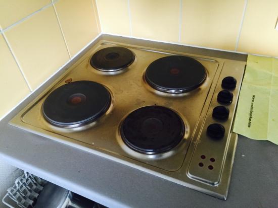 Pierre & Vacances Résidence Les Rives de la Seugne : Super plaque de cuisson, le grand luxe de p&v ...