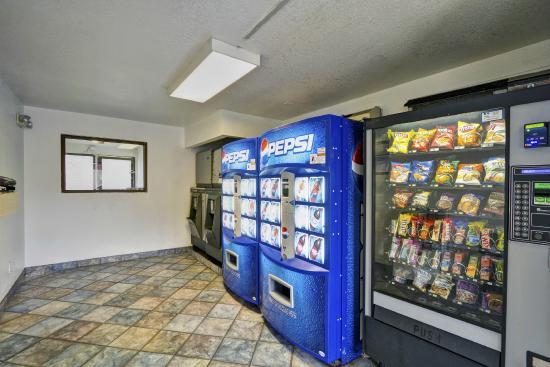 Rodeway Inn : Vending