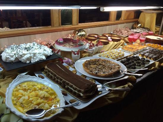 Kuchen Buffet - Bild von Hotel Riu Festival, Playa de Palma ...