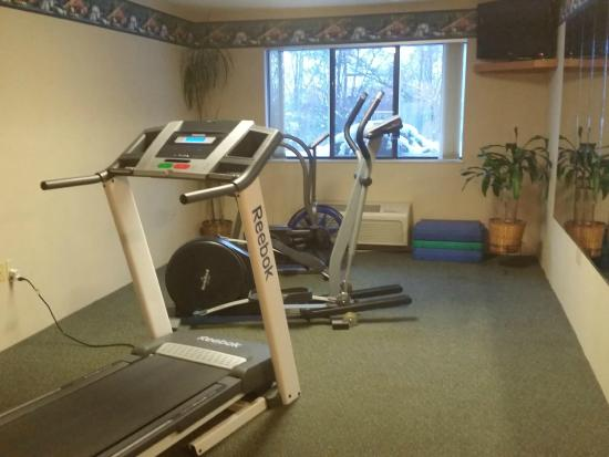 Baymont Inn & Suites Midland: Exercise room