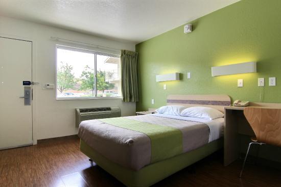 Motel 6 Albuquerque - Midtown: Guest Room