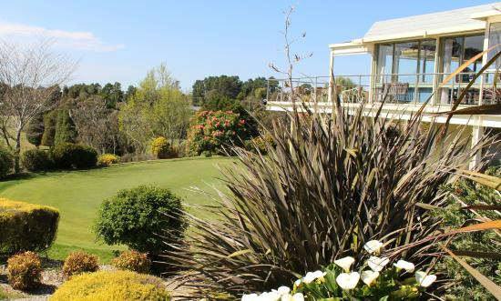 Wentworth Falls Country Club: practice putting green