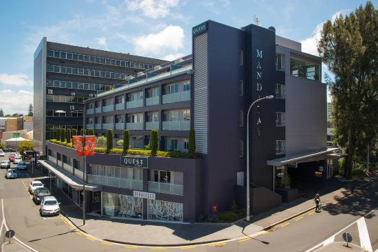 Quest Newmarket Serviced Apartments: Modern low rise apartments