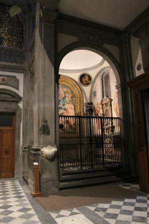 Iglesia de Santa Felicita: La chapelle bien éclairée, mais uniquement pour les privilégiés.