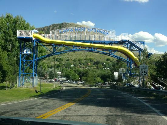 Riverside Hot Springs Inn: Entrance to Lava Hot Springs, ID