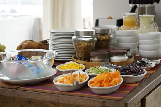 The Villa: breakfast/ desayuno