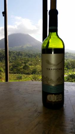 Arenal Palace : Wine with a view!
