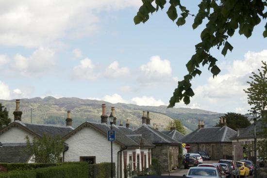 Loch Lomond Arms Hotel: Town of Luss