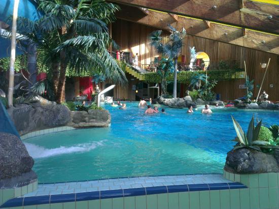 Piscina a naturno foto di piccolo hotel marlingerhof marlengo tripadvisor - Hotel piscina in camera ...
