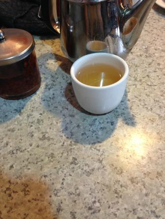 A & J Restaurant: Tea