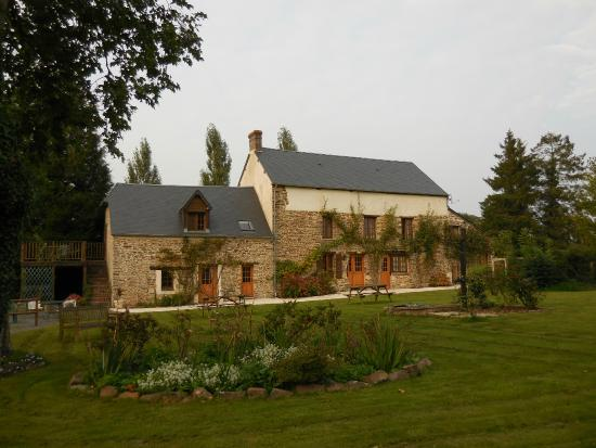 Lamberville, Francia: An old, old farmhouse, beautifully repurposed