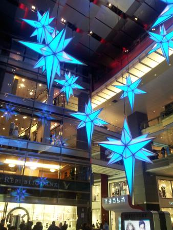 xmas lighting and decorations at the columbus circle shops picture