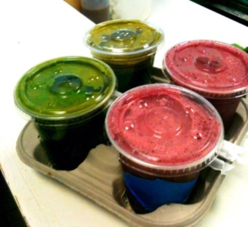 Starving Artist Cafe and Creperie: Fresh juices