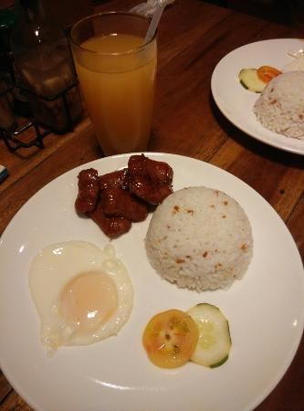 Island Nook: breakfast of Longsilog