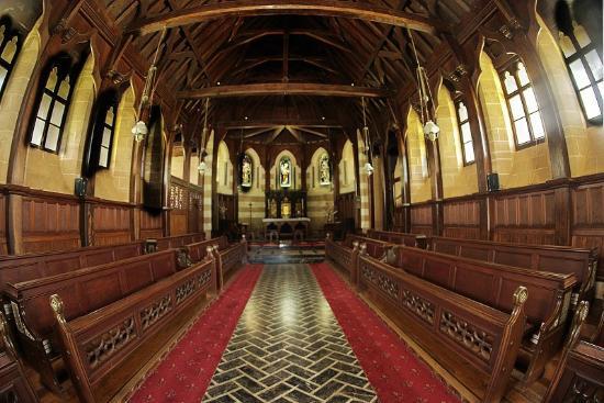 St. Barnabas Church: Nave