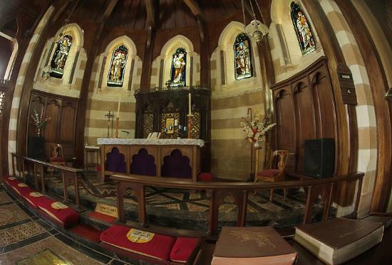 St. Barnabas Church: Santuary