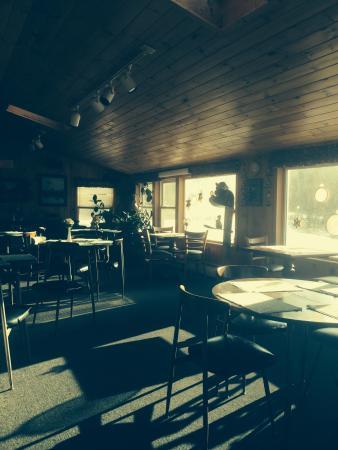 Killington-Pico Motor Inn: Breakfast room (no wait - gets you to the slopes quickly)