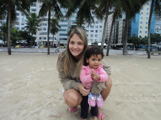 Hotel Astoria Palace: foto da praia de copacabana na 'areia e de fundo o hotel