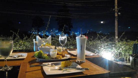 Baan Yin Dee Boutique Resort : อาหาร รอบแรก
