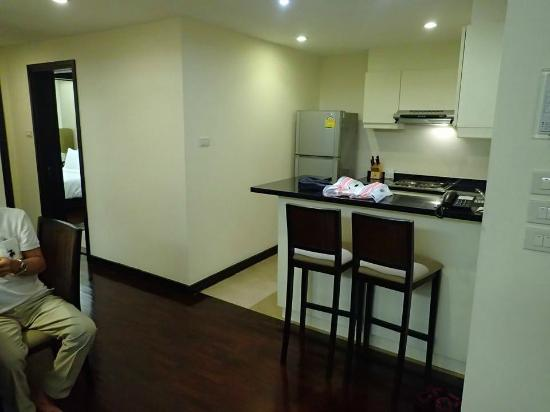 Abloom Exclusive Serviced Apartments: The Kitchenette