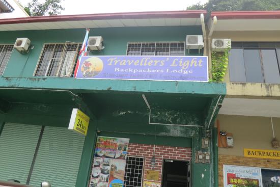 Travellers' Light Backpackers Lodge: Lodge from the outside