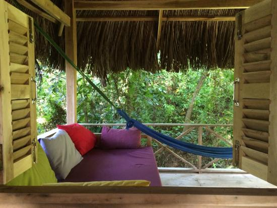 Freedomland Phu Quoc Resort: Chill out area on our private deck