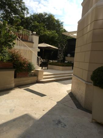 Hotel Villa Duse: Внутренний дворик