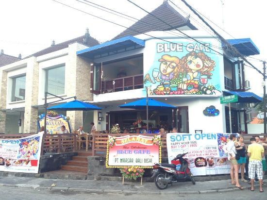 Blue Cafe: 明るくて雰囲気のよいカフェレストランでした