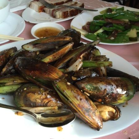 Canton Cafe: mussels with black bean sauce