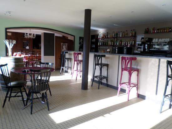 Brengues, Prancis: bar