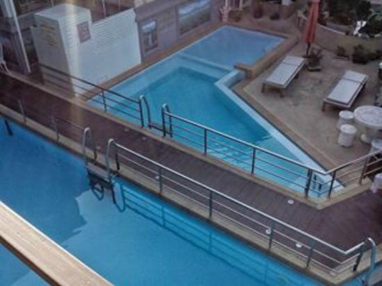 Chayadol Boutique Resort: Clean pool