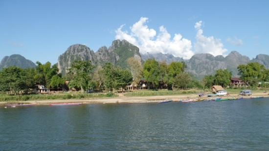 Villa Nam Song Vang Vieng: view from the hotel bar