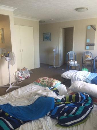 Bayview Beach: All in the one room due to the heat