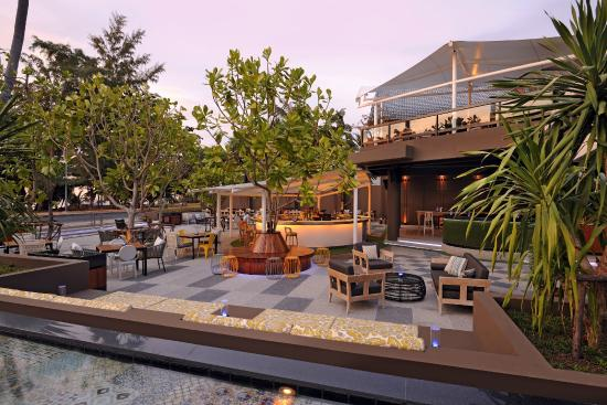 Karon Beach Square: Mint - Eat Drink Chill