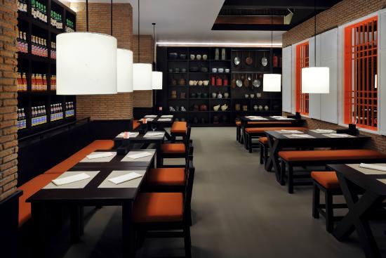 Karon Beach Square: Orient Asia - Asian Cuisine