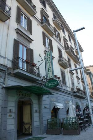 Hotel Potenza: Fachada