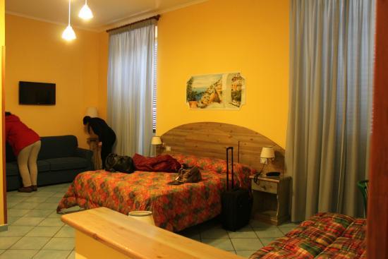 Hotel Potenza: Habitación cuádruple