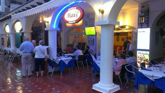 Max's International Restaurant