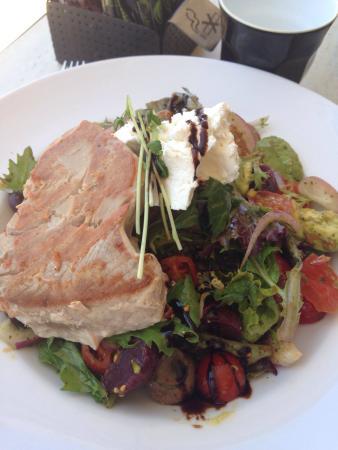 Tropicana Caffe: Tropicana salad with seared tuna steak $23.
