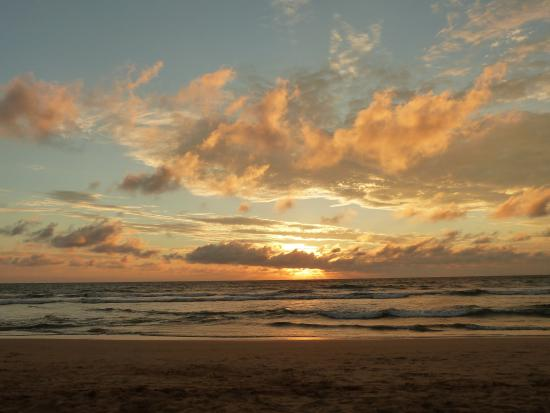 Wunderbar Beach Club Hotel : the beach and sunset