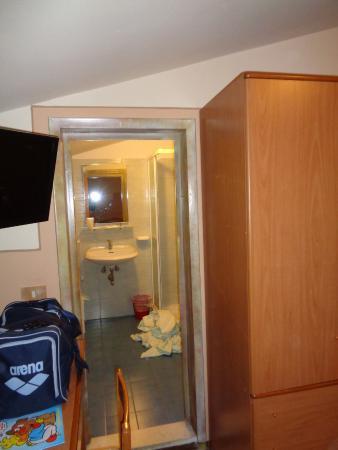 Hotel Innocenti: ingresso bagno