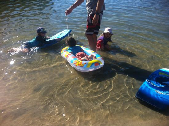 Dolphin Quay: Shallow near the shore- ideal for small children
