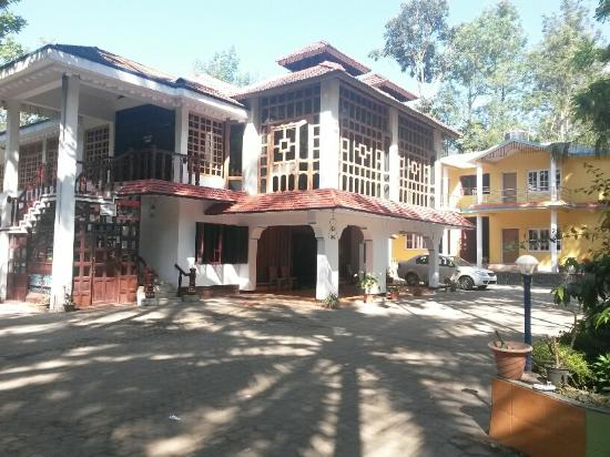 Coorg County Resort: Reception bld