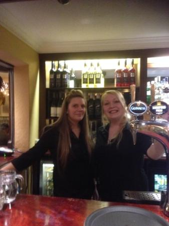 Royal and Fortescue Hotel: happy Bar staff