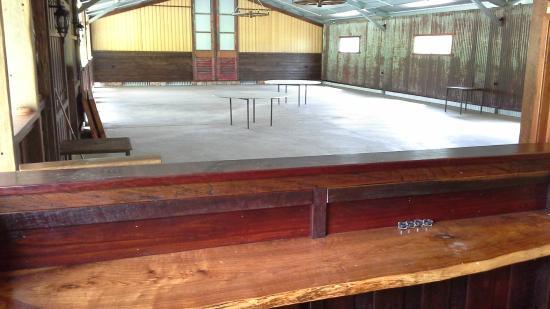 Yabbaloumba Retreat: new barn